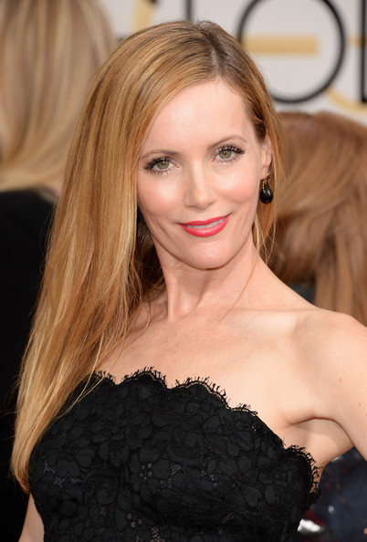 Leslie Mann Side-swept Long Hair with Red Lips and Curly Lashes