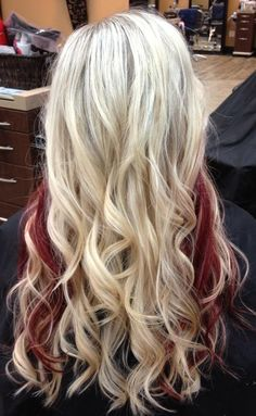 Long Wavy Blonde Hair With Red Highlights