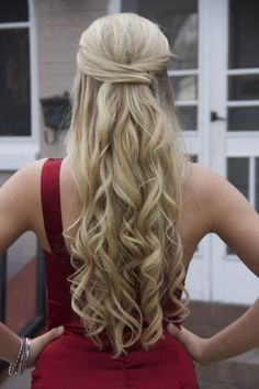 Long Wavy Prom Hairstyle
