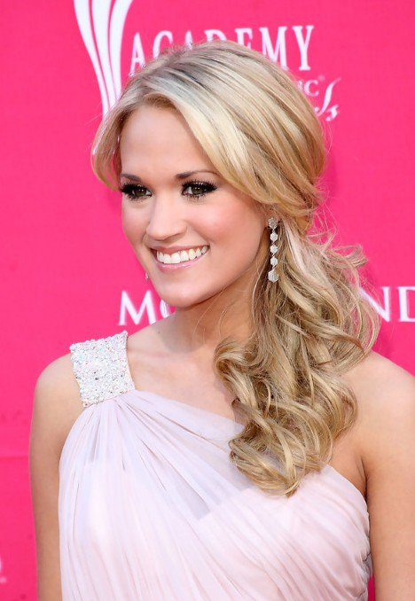 Pretty Low Ponytail Hairstyles For All Women To Try