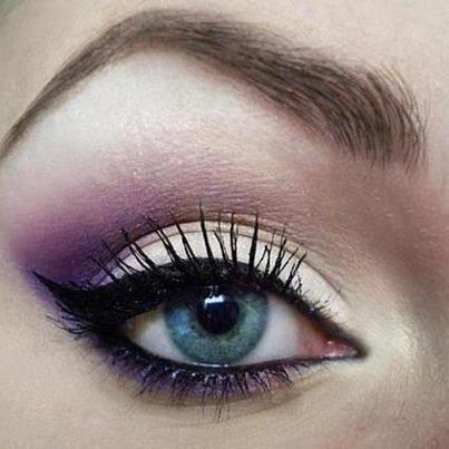Purple Eye Makeup Idea for Blue Eyes