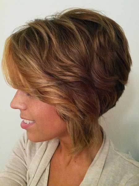 Shaggy Wavy Bob Haircut