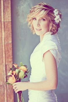 Short Bob Wedding Hairstyle