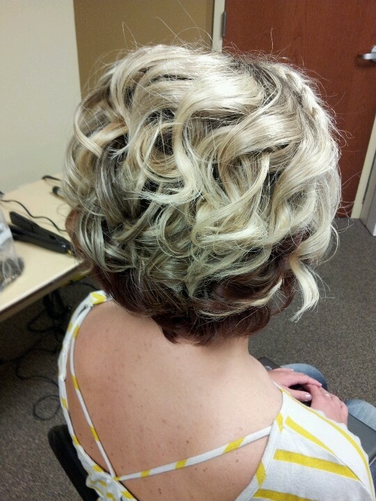 Short Curly Wavy Wedding Hairstyle