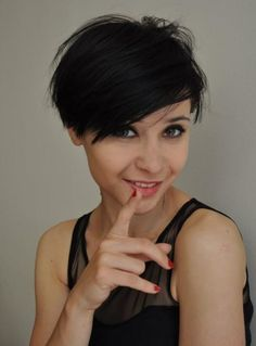 Short Hairstyle With Bangs for Black Hair