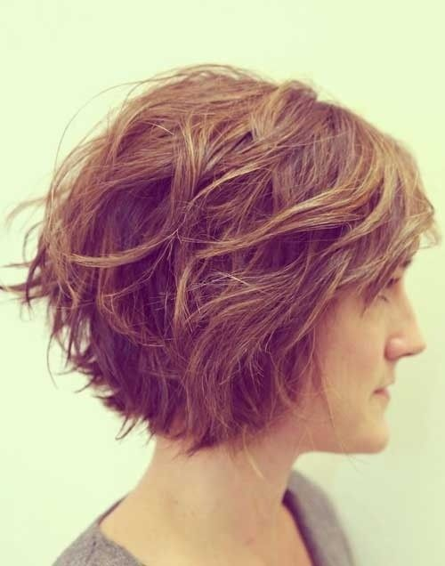 Side Curly Wavy Bob Hairstyle for Thick Hair