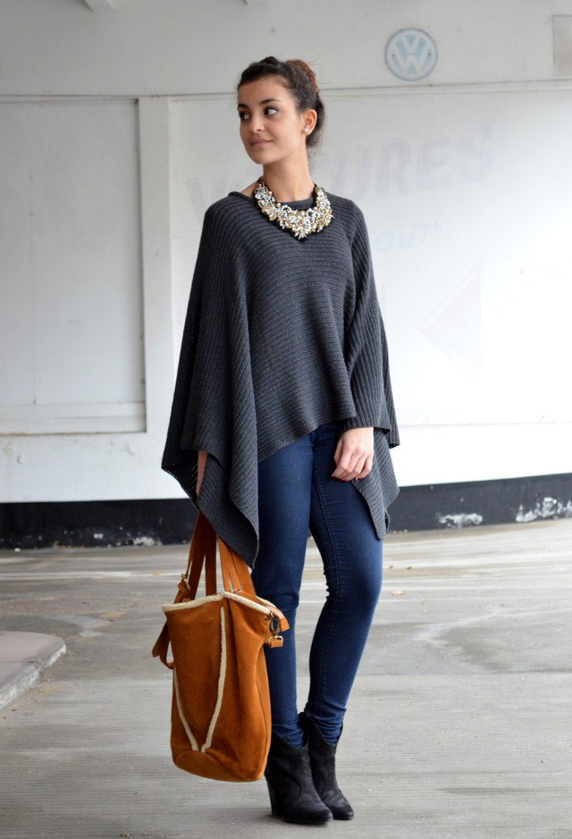 Simply Grey Poncho Outfit Idea