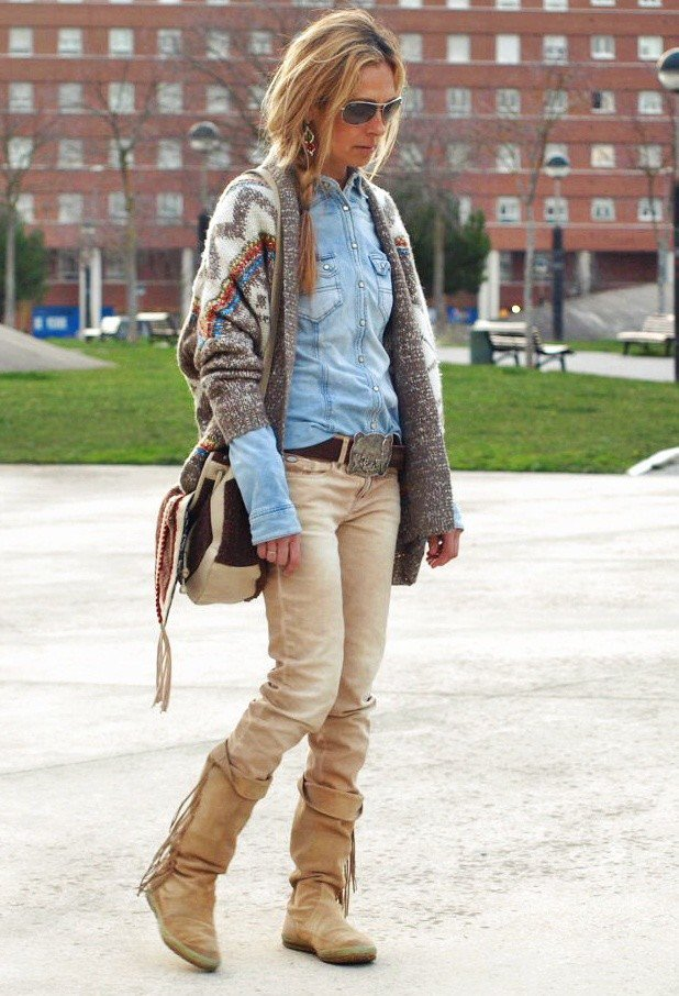 Stunning Fall Outfit Idea with Denim Shirt