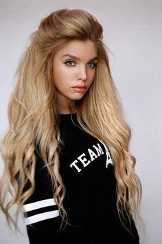Stylish Long Wavy Blond Hairstyle