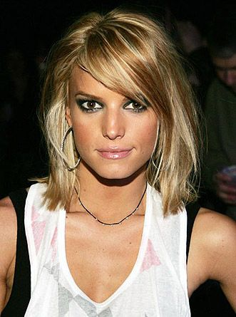 Stylish Medium Hairstyle With Bangs
