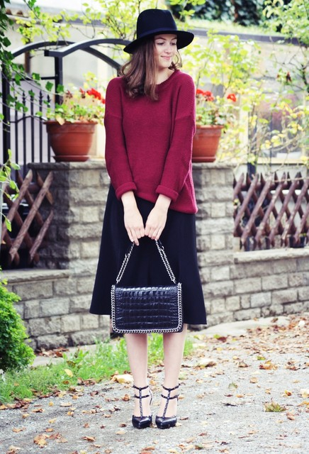 Sweater and Midi Skirt Outfit for Fall