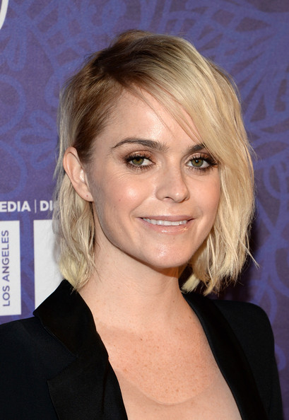 Taryn Manning Side-parted Wavy Hairstyle