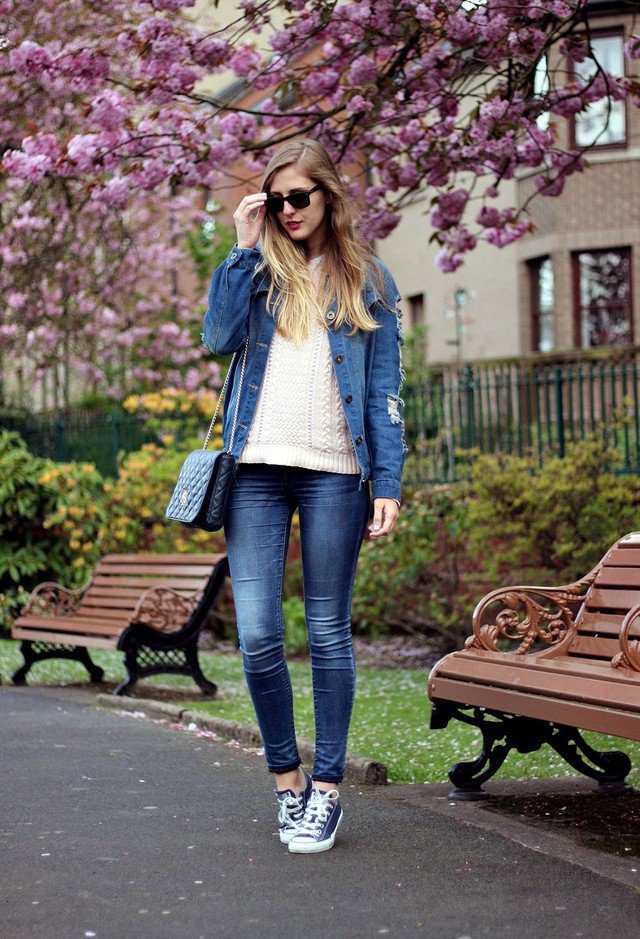 Trendy Fall Outfit Idea with Sneaker