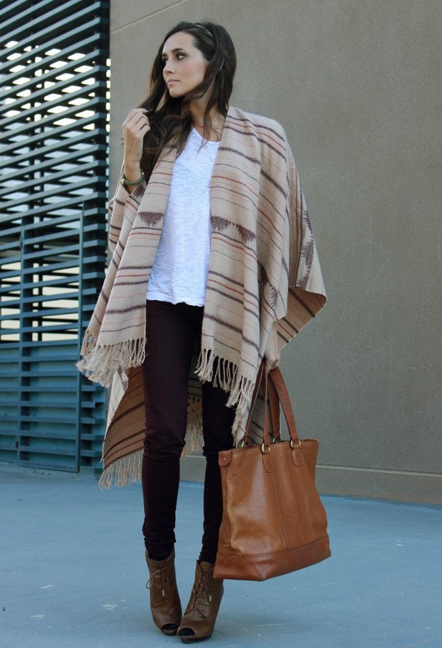 Trendy Outfit Idea with Poncho