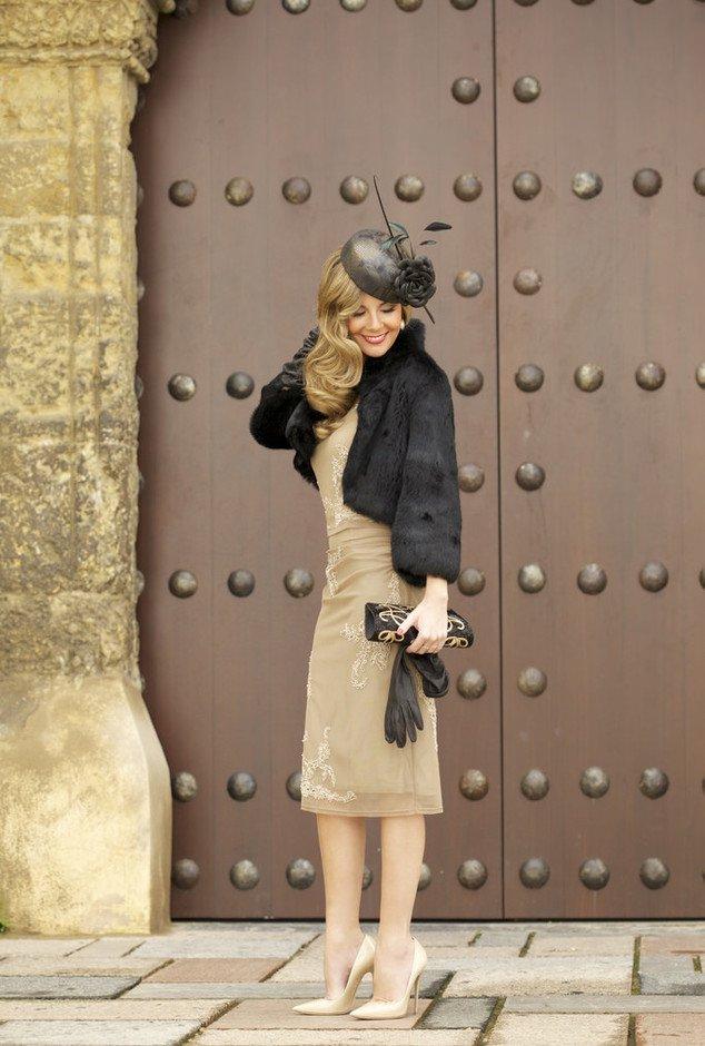 Voguish Outfit Idea for Women