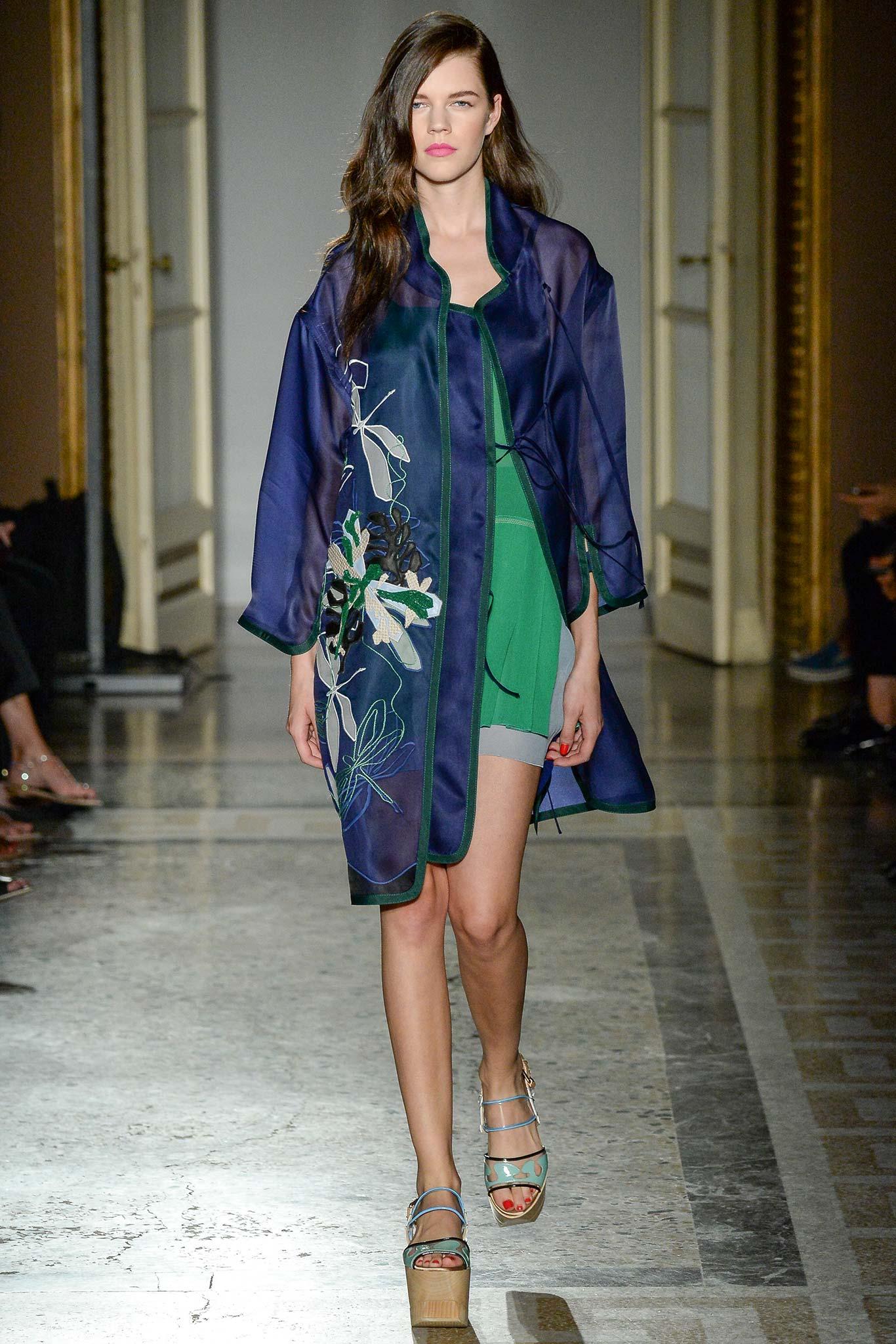 15 elegante jurken voor lente 2015 door Aquilano.Rimondi