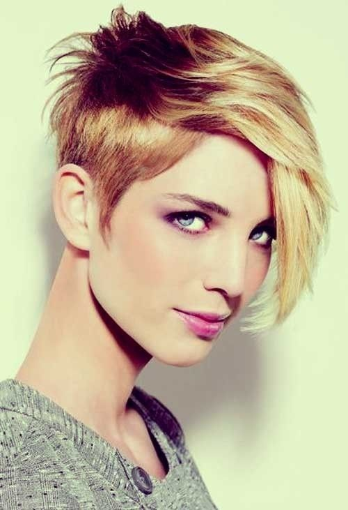 Asymmetrical Short Hairstyle for Thick Hair