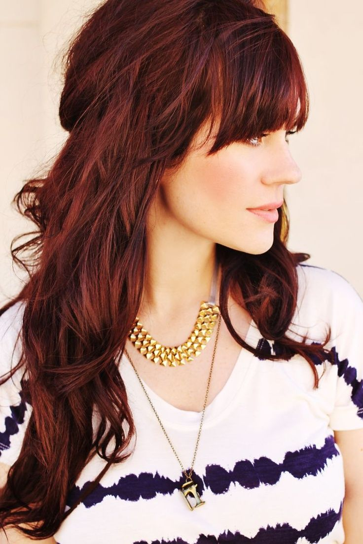 Beautiful Hairstyle With Bangs and Layers