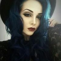Beautiful Long Wavy Halloween Hairstyle