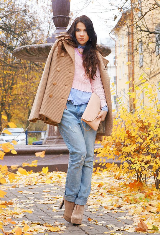 Beige Coat and Booties Outfit for Fall