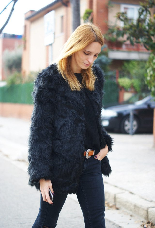Black Fur Coat Outfit for Fall and Winter