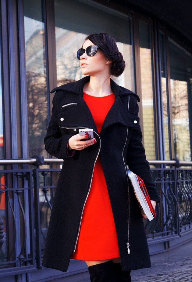 Black and Red Outfit Idea for Fall