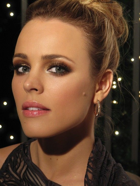 Bronze Smoky Eyes and Pink Lips