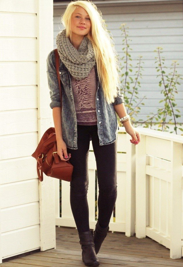 Casual Outfit with A Scarf