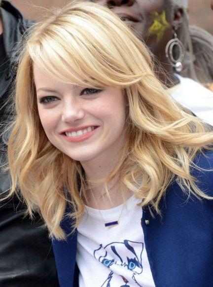 Celebrity Medium Layered Wavy Hairstyle