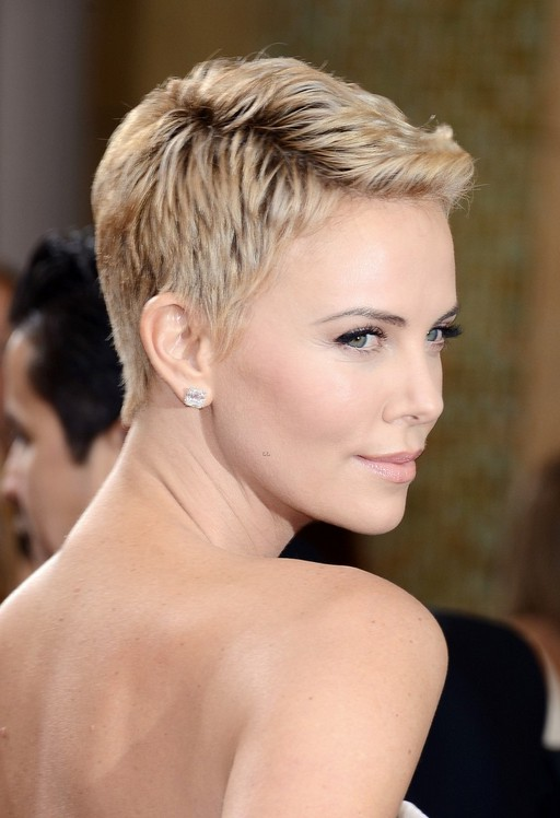 Amazing 55 Super Hot Short Hairstyles 2016 Layers Cool Colors Curls Bangs Short Hairstyles Gunalazisus