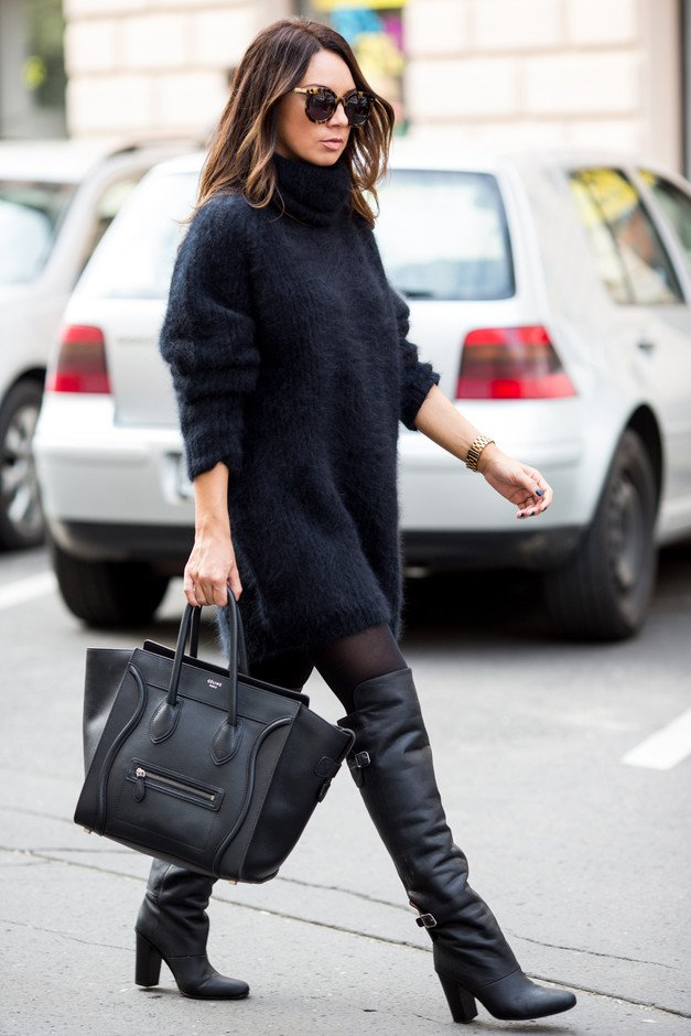 Chic Black Turtleneck Outfit
