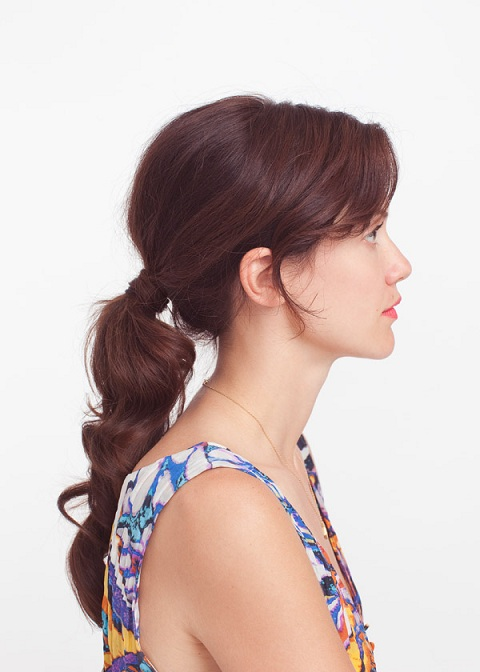 Class Wavy Ponytail Hairstyle