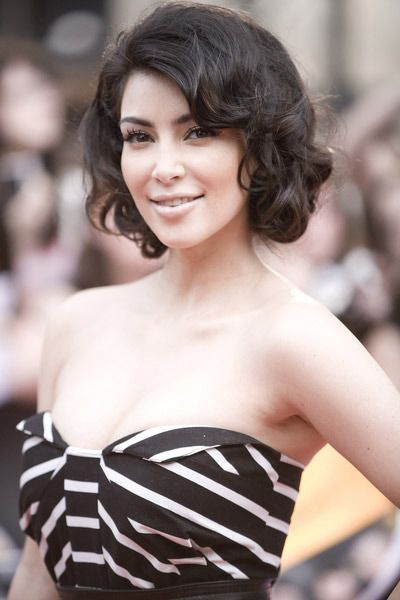 Classic Short Curly Hairstyle