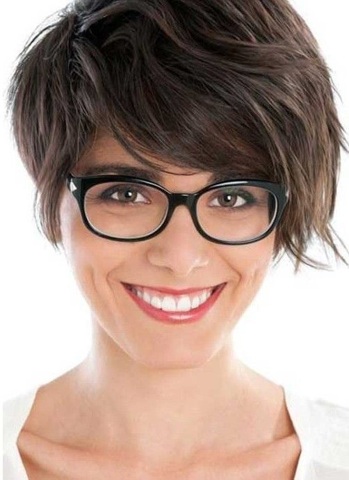 14 Great Short Hairstyles for Thick Hair - Pretty Designs