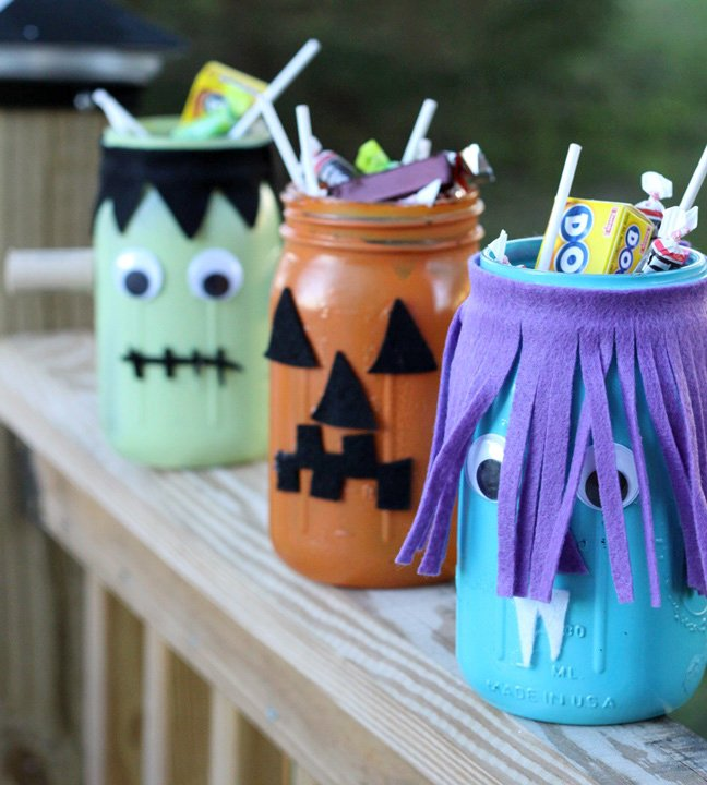 10 Ideas To Diy Halloween Jar Decorations Pretty Designs