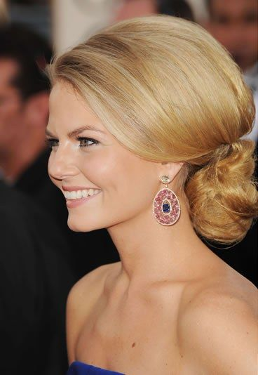 Elegant Chignon Hairstyle for Formal Occasions