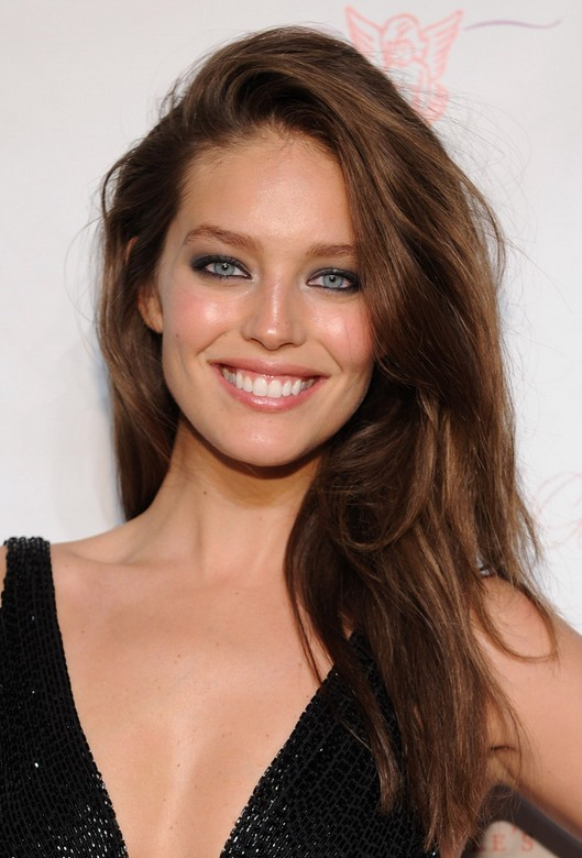 Emily DiDonato Sexy Deep Side Parted Brunette Wavy Hairstyle for Winter