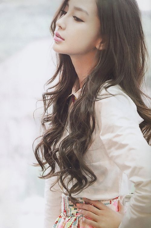 Glamorous Long Wavy Hair for Asian Hairstyles