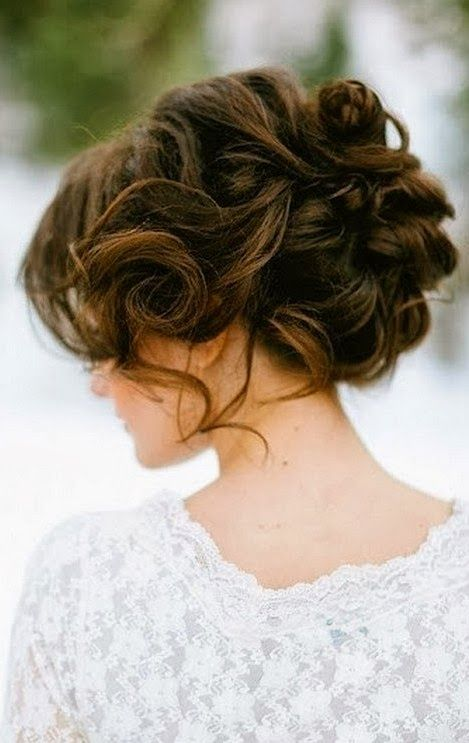 Gorgeous Wedding Hairstyle for Medium Hair