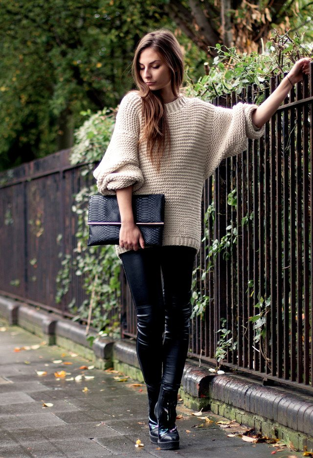 Loose Jumper with Leather Trousers for Fall