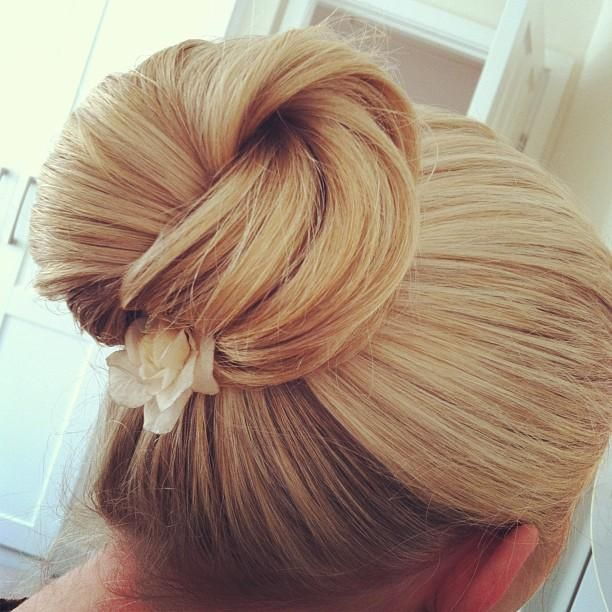 15 Elegant and Chic Sleek Updo Hairstyles for Women ... Brown Hair With Blonde Tips Tumblr