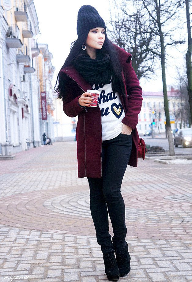 Maroon Outfit Idea with A Hat
