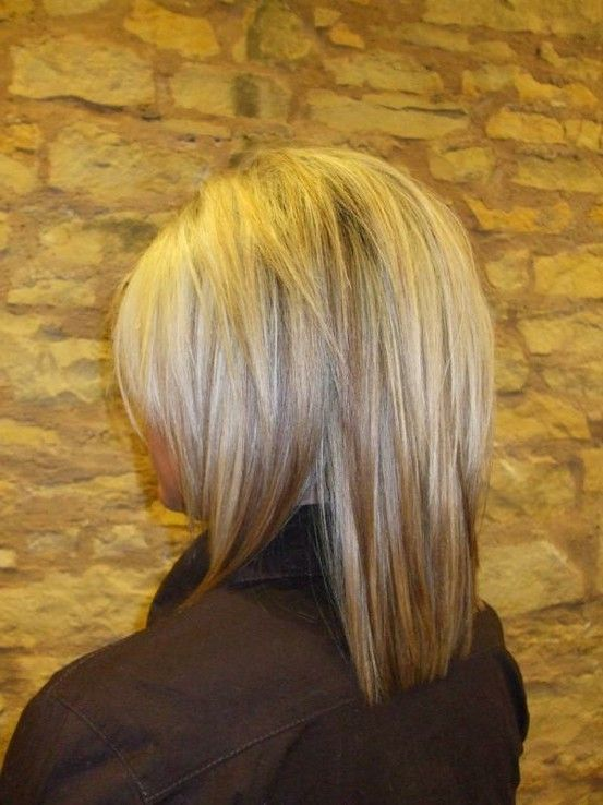 Medium Layered Hairstyle for Straight Hair