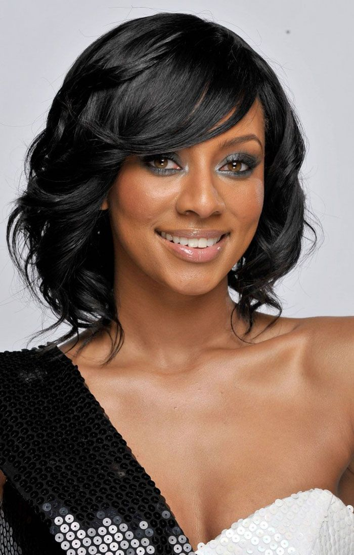 Medium Wavy Wedding Hairstyle for Black Women