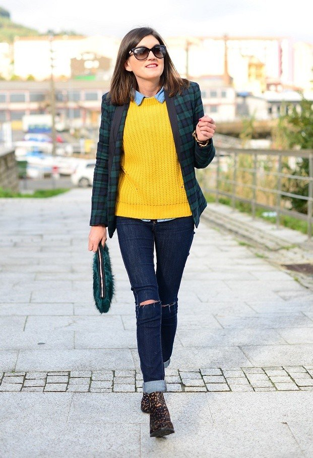 Plaid Blazer Outfit with Ripped Jeans