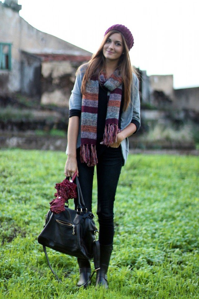 Pretty Knitted Hat Outfit