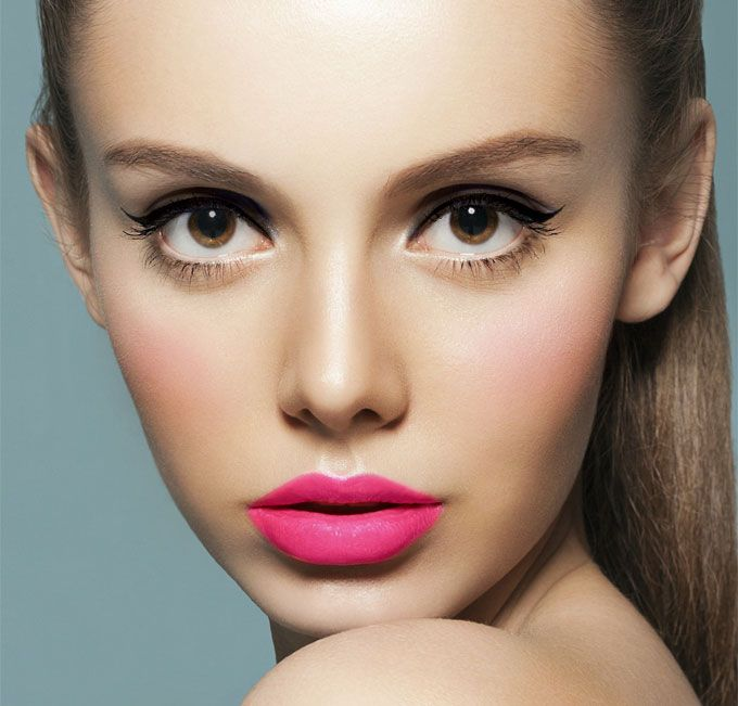 Pretty Pink Lips Makeup Idea