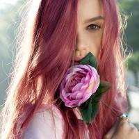 Pretty-Wine-hued-Hairstyle