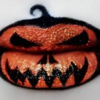 Pumpkin Lipstick Makeup Idea