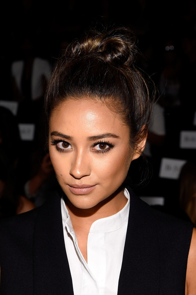 Shay Mitchell Top Knot